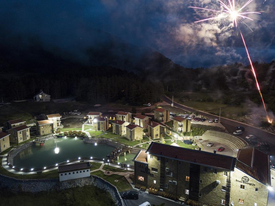 Doček novogodišnje noći u etno selu